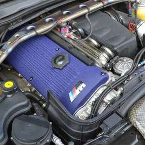BMW ヘッドカバー結晶塗装