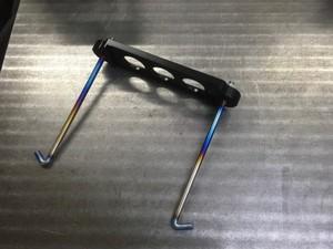 チタニュウム製バッテリーフック